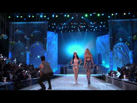 Maroon 5 Moves Like Jagger  Victoria&39;s Secret Fashion Show   1080p