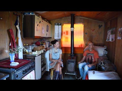 Irene, vivere in campagna in una piccola casetta in mezzo agli ulivi