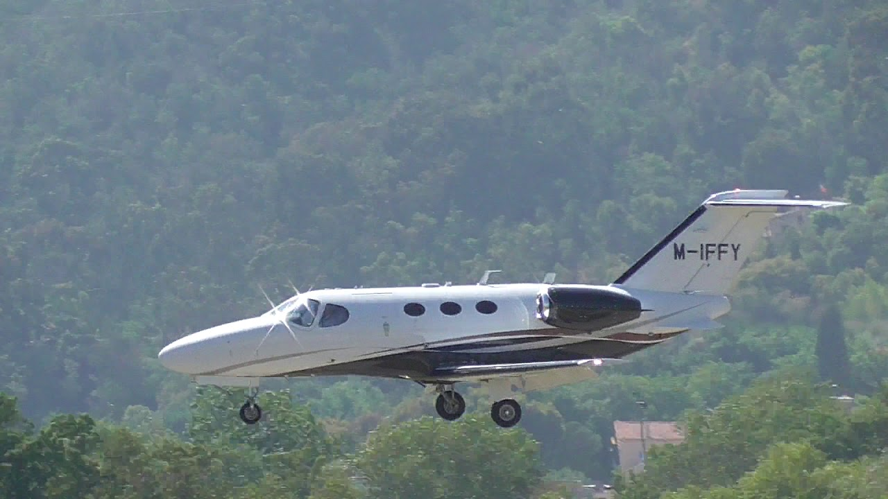 Cessna Citation Mustang Landing at Cannes Mandelieu