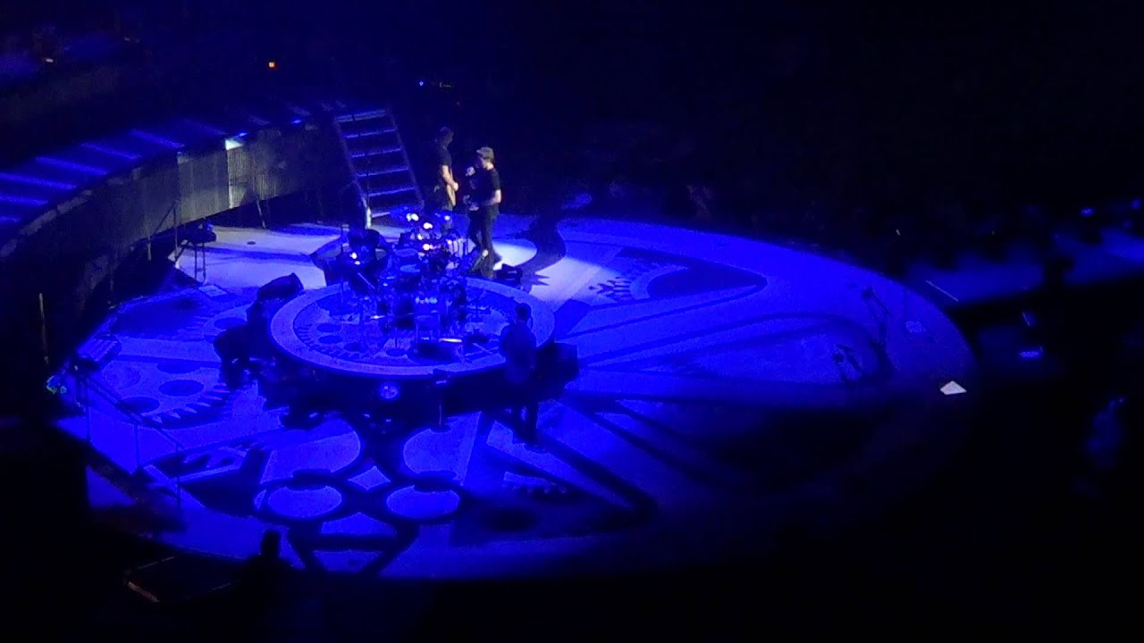 Download NICKELBACK Chad calls out texter lol Moline, IL April 10 2012.m2ts