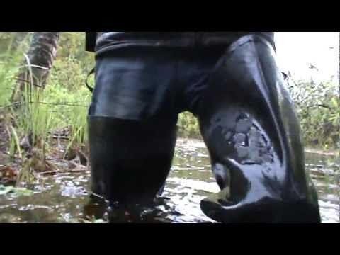 Rubber boots in water M2U00561.MPG