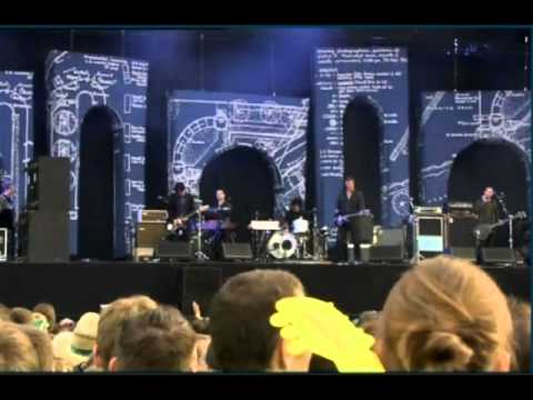 Queens of the Stone Age - Better Living Through Chemistry (live Rock Werchter 2011)