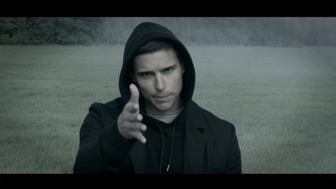 Eric Saade - Wide Awake [feat. Gustaf Norén] (Official Video)