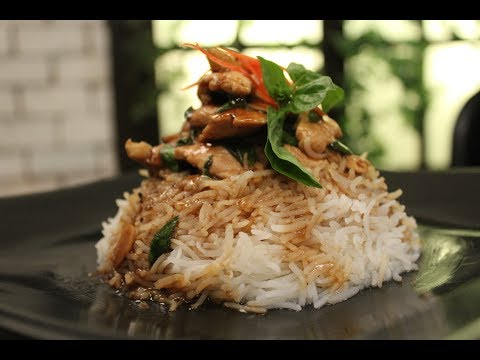 Sliced Chicken With Baby Corn In Oyster Sauce | Oriental Recipes | Sanjeev Kapoor Khazana