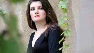 Parisa Arsalani - Gül Açdı (Turkish song - Azerbaijan)