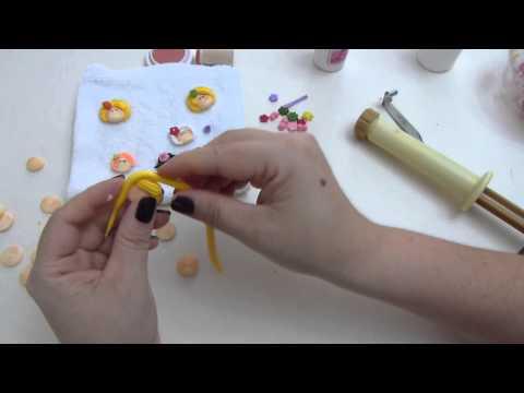 a55a9547844c paso a paso de caritas miniatura en porcelanicron. apliques masa flexible -  YouTube