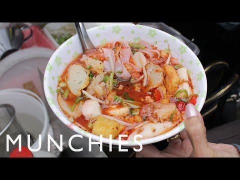 MUNCHIES Guide To Berlin: Thai Market, Kumpir and Potato Pancake