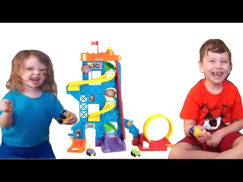 Fisher-Price Little People Loops 'n Swoops Review
