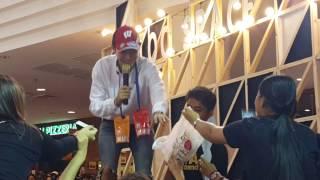 [2/6] 090417 พูดคุย + รับของ , ใจหนึ่งก็รัก อีกใจก็เจ็บ : เป๊ก ผลิตโชค @The mall bangkapi