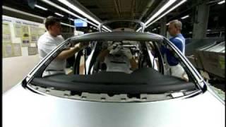 Сборка автомобилей на заводе Volkswagen(Так рождаются автомобили Volkswagen Golf, Tiguan и Touran в сборочном цеху завода Volkswagen в Вольфсбурге. Автомобильная..., 2010-04-21T14:51:56.000Z)