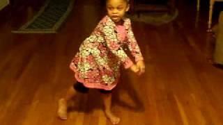 Baby Girl doing the stanky leg PT1