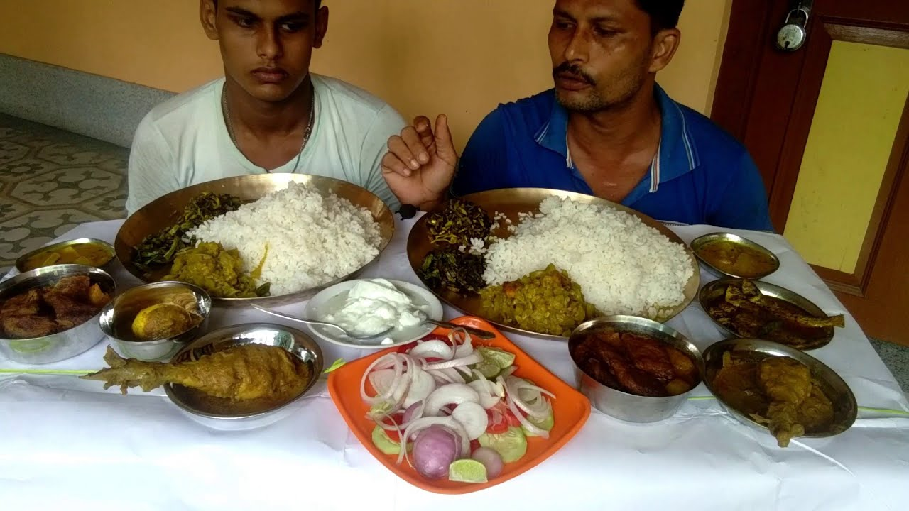 Dad & Son Eating Together - Dhoka R Dalna - Chicken Chaap - Parse Fish Curry - Egg Kosha