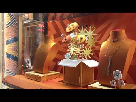 BVLGARI - Holiday Window Shopping On New York's Fifth Avenue