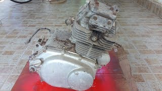 How to Paint a Motorcycle Engine (175CC)  | Cleaning and repaint Old Engine