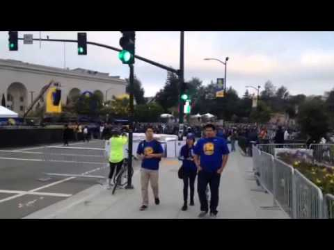 Warriors Parade Oakland Walk To Rally - Zennie62