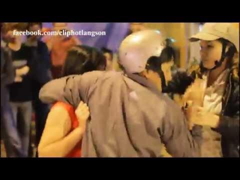 Lạng Sơn: Đánh ghen giữa đường và điều bất ngờ luôn diễn ra phút cuối