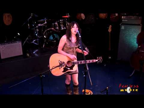 KT Tunstall - Black Horse & The Cherry Tree - Live On Fearless Music HD
