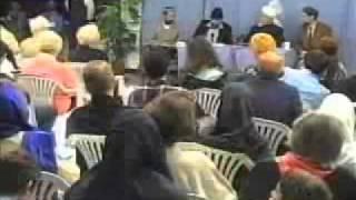 Islamische Frage und Antwortsitzung mit deutschen Gästen in Köln - Islam Ahmadiyya Muslime 1/2