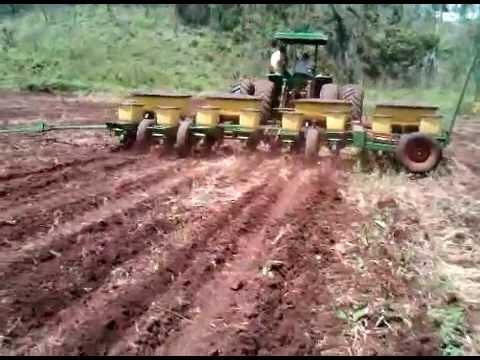 Preparaci n de suelos siembra mecanizada de ma z - Preparacion de la tierra para sembrar ...