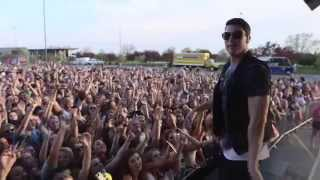 Timeflies Tuesday - Cheerleader