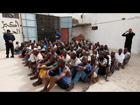 Libya intercepts 850 migrants in inflatable rubber boats