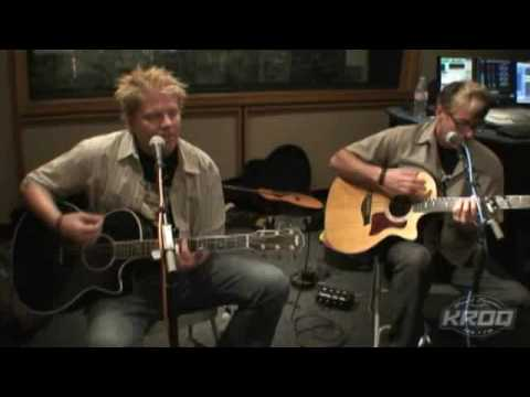 the-offspring-come-out-and-play-acoustic-skrock-japan