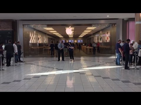 iPhone 7 Launch Day - Mapleview Mall