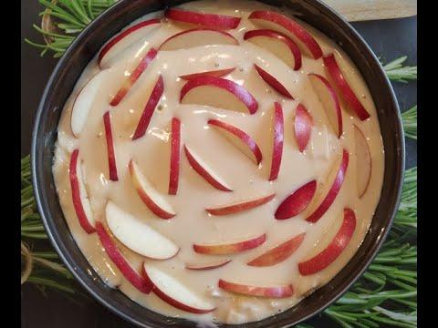 Шарлотка на кефире: выходит намного вкуснее обычного бисквита /  Пирог с яблоками / Рецепт шарлотки