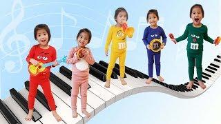 쇼파 위에서만 뛰어야 돼요!! 점핑온더배드 2탄 서은이의 코코몽 악기 연주 놀이 엠엔엠 초콜렛 Jumping on the bed m&m Instrument