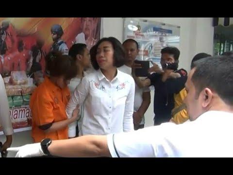 """Penyanyi Dangdut """"Duo Molek"""" Ditangkap karena Kasus Narkoba Mp3"""