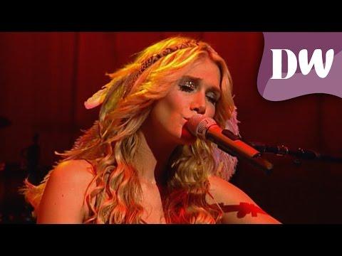 Delta Goodrem - Born To Try (Believe Again Tour 2009 Live)