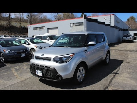 2016 Kia Soul Base 1.6 L I4 6-Speed: In-Depth Review and Start Up
