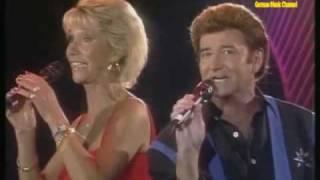 Nina & Mike - Rund um die Welt geht das Lied der Liebe