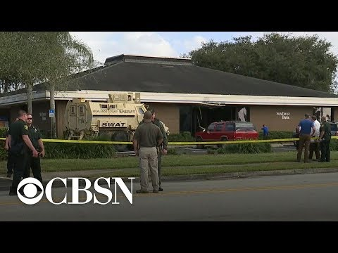 5 killed in bank shooting in Florida, police say