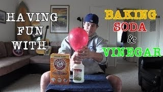 HAVING FUN WITH BAKING SODA AND VINEGAR (FEATURING L.A.BEAST)