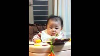 赤ちゃんびっくり!ドライヤーおもしろムービー