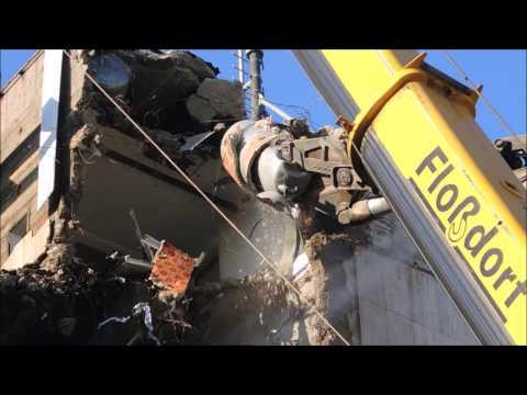 Bagger Hitachi KMC 520 Abriss in Köln Longfront mit 34 Meter