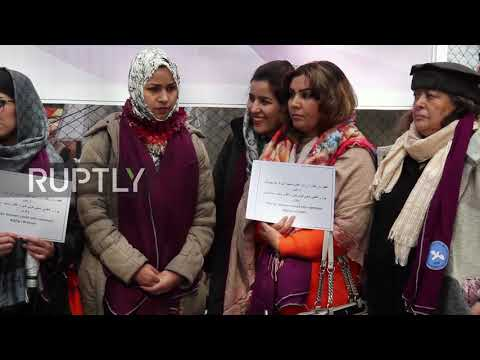 Afghanistan: Kabul women fight for place at Taliban peace talks table