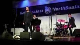 Curtis Stigers - Real Emotional Girl Live @ NSJF 2007