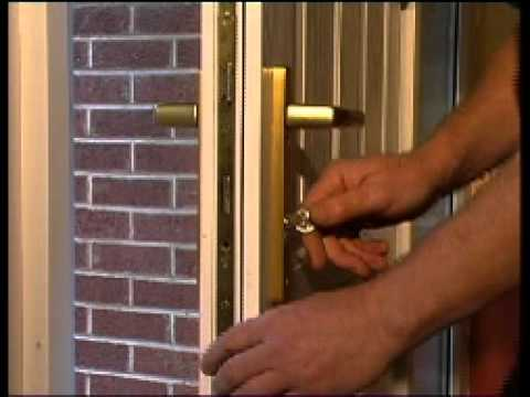 How to replace door locks - Change a Euro Profile Cylinder Lock : change door - pezcame.com