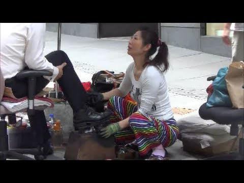 Best Shoeshine in Hong Kong and China. Woman  in Central Hong Kong