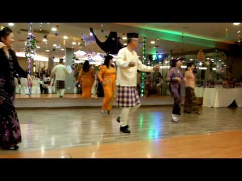 Performance - Malay Dance (Lodeh Mak Lodeh)