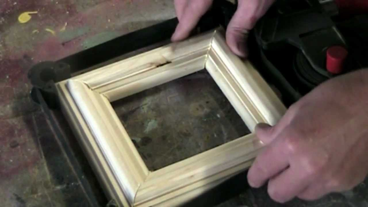 How to make a simple picture frame using a woodworking router - YouTube