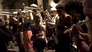Bling Bling Brass Band - Java Martienne @ la folie en tête!