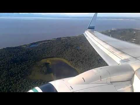 Alaska Airlines Boeing 737-900 Landing in Anchorage