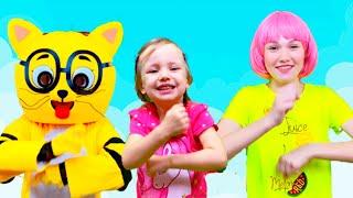 Aram Sam Sam Canción Infantil   Canciones Infantiles con Alex y Nastya