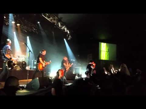 Dropkick Murphys - Intro (The Foggy Dew by Sinéad O'Connor & The Chieftains) + The Boys are Back