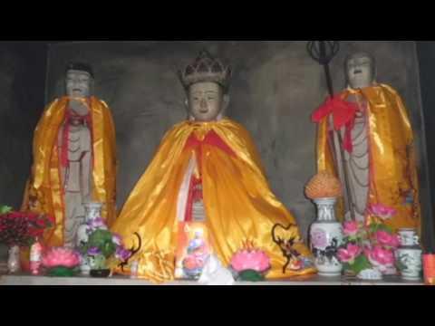 Visit to holy mountain Jiuhua San