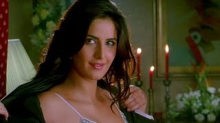 Katrina Kaif tries to take off her clothes
