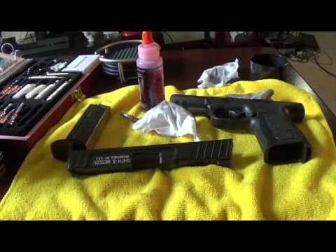 Cleaning my Smith and Wesson SD9